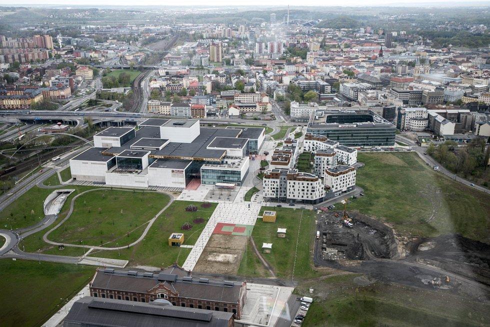 Ostravské OC Forum Nová Karolina z výšky.