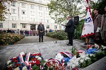 Vzpomínkový akt v Husově sadu u příležitosti 101. výročí vzniku Československé republiky v Ostravě.