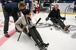 Tisková konference k Mistrovství světa v para hokeji 18. ledna 2019 v Ostravě. Na snímku zleva Andrea Hoffmannová, náměstkyně primátora a Dominik Hašek  ambasador MS.
