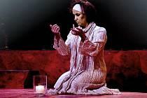 Veronika Freimanová ztvární lady Macbeth i lady Macduff.