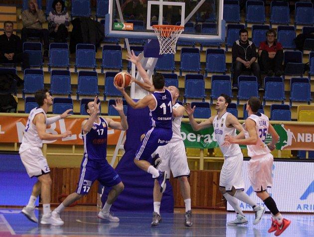 Ostravští basketbalisté prohráli v Prostějově 63:71.