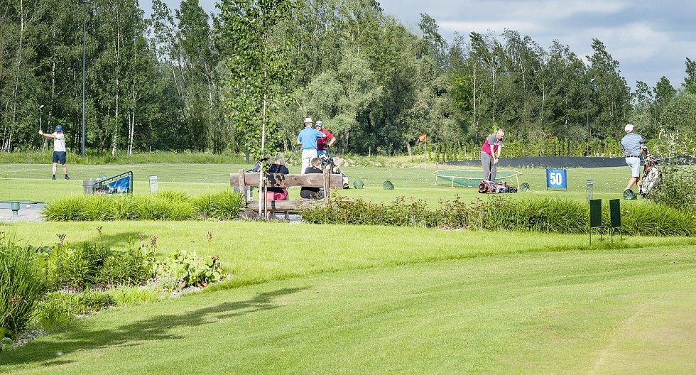 Golf Park Lhotka.