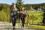 Nordic walking v romantické valašské krajině láká čím dál více Čechů.