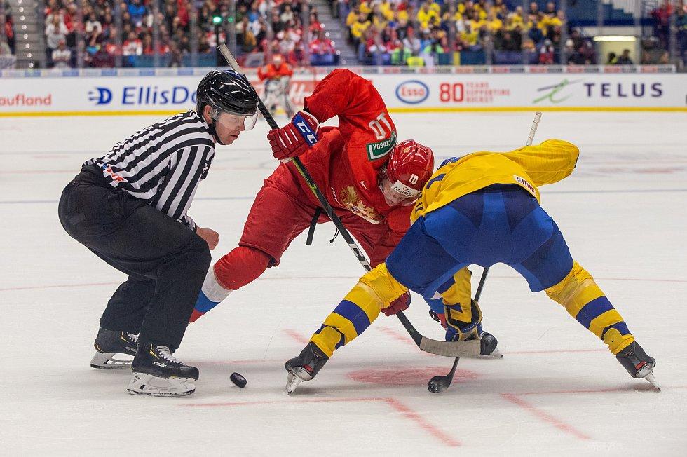 Mistrovství světa hokejistů do 20 let, semifinále: Švédsko - Rusko, 4. ledna 2020 v Ostravě. Na snímku Dmitri Voronkov (RUS).