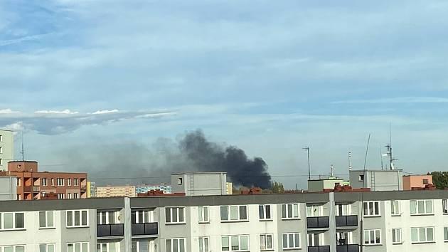 Dým způsobil požár v areálu OZO.