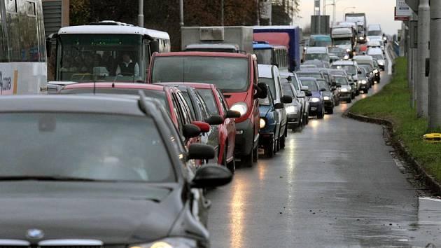 Dopravní kalamita na Plzeňské ulici v Ostravě