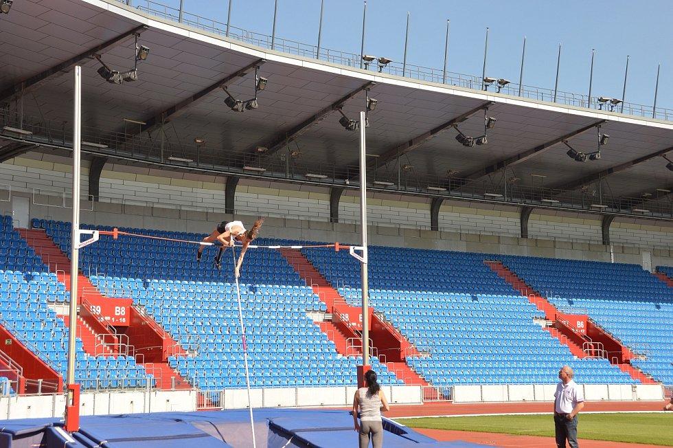 Akci Atleti spolu vyhlásil na středu 2. června Český atletický svaz. Atletické soutěžení se konalo na 253 místech vČeské republice. Běhalo, skákalo a házelo se vOstravě na Městském stadionu vOstravě a také vOstravě – Porubě.