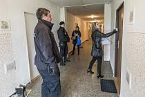Při kontrole asistovali policisté a strážníci.