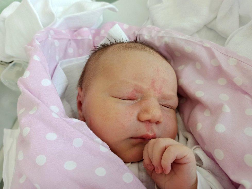 Noemi Ruszová, Třinec, narozena 5. června 2021, míra 53 cm, váha 4440 g.