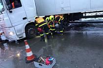 Nehoda kamionu na D1 u Nového Jičína.