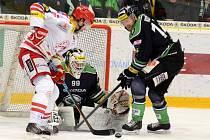 Hokejisté Třince ve čtvrtém zápase Boleslav porazili a jsou blízko semifinále.