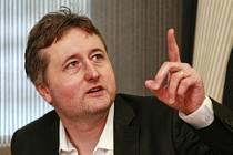 DANIEL JANDAČKA, vedoucí Katedry studií lidského pohybu na Ostravské univerzitě.