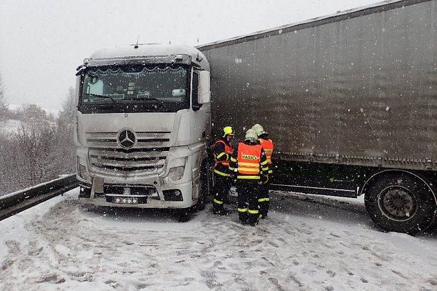 Dopravní nehoda, středa 1.února, Oborná.