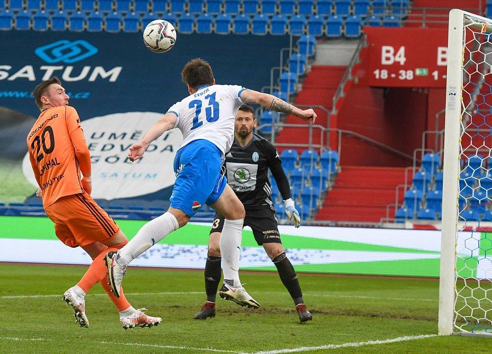 Fotbalisté Baníku Ostrava (v modro-bílém) v duelu 28. kola FORTUNA:LIGY s Mladou Boleslaví (2:1).