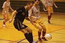 Futsalisté VŠB (v tmavém) na své palubovce