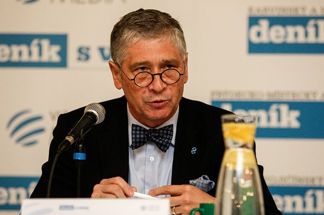 Hejtman Ivo Vondrák na akci Deníku v multifunkční hale Gong v Ostravě.