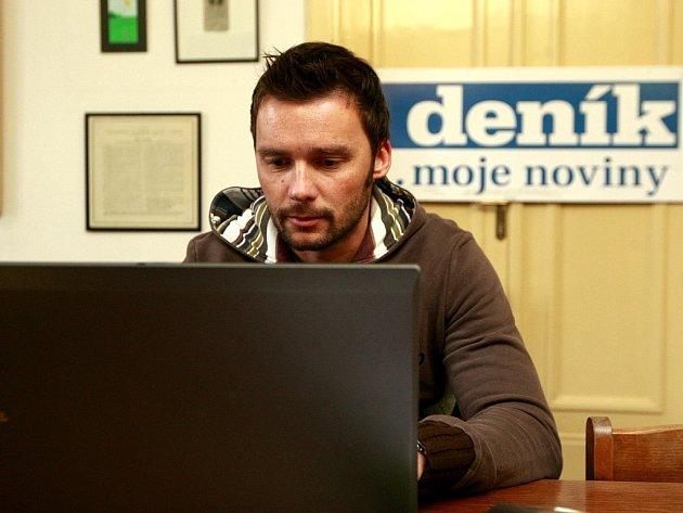 Marek Jankulovski v redakci Moravskoslezského deníku.