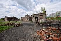 Demolicí projde trojice zdevastovaných domů v Ostravě-Vítkovicích nedaleko městského stadionu.
