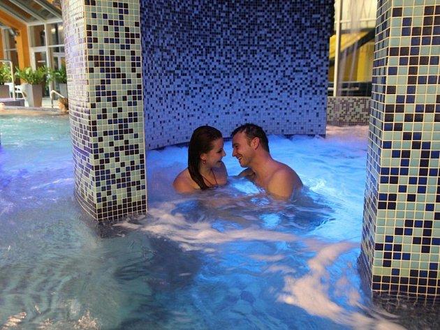 Spa hotel Lanterna**** je díky poloze stranou běžného ruchu a komorní atmosféře jako stvořený pro páry vyhledávající klid a soukromí. Zde se mohou naplno věnovat jen sami sobě.