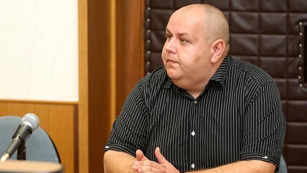 Na vyhlášení rozsudku se dostavil pouze Petr Pešát.