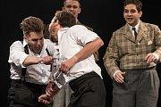 Letní shakespearovské slavnosti na Slezskoostravském hradě začaly premiérou známé tragédie Hamlet.