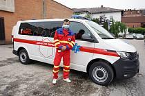 Flotila sanitních vozů Vítkovické nemocnice rozveze ročně 30 tisíc pacientů.