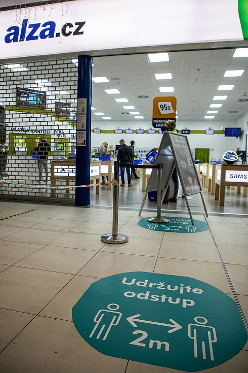 Prodejna Alza, internetový obchod působící v České republice a na Slovensku, 28. listopadu v Ostravě.