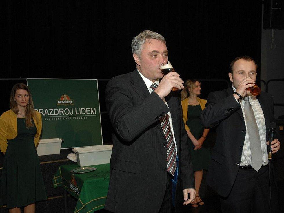 """""""Dej Bůh štěstí,"""" popřál všem tradičním pivovarským pozdravem manažer Radegastu Ivo Kaňák."""
