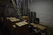 Vinotéky už nesmějí stáčet víno ze sudů. Nerezové sudy tak byly nahrazeny bag-in-boxy, fóliovými sáčky, které jsou umístěny do kartonových krabic. Ilustrační foto.