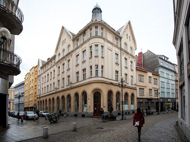 MENZA OSTRAVSKÉ UNIVERZITY v Reální ulici v centru Ostravy.