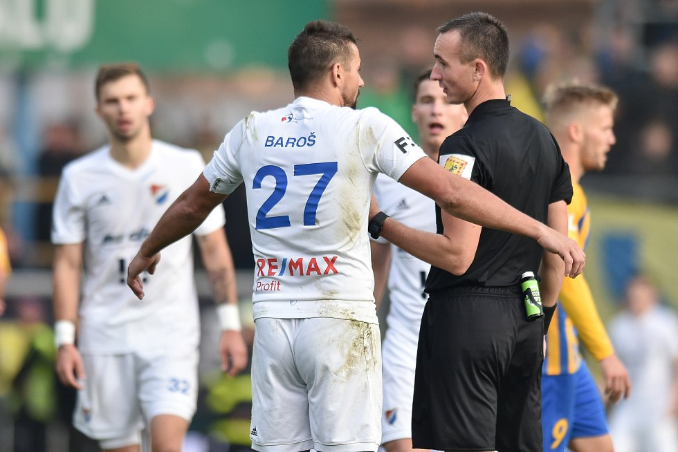 Utkání 15. kola první fotbalové ligy: SFC Opava - FC Baník Ostrava, 11. listopadu 2018 v Opavě. Na snímku Milan Baroš.