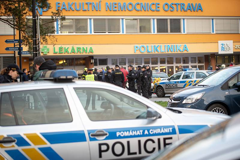 Zásah policie ve Fakultní nemocnici Ostrava 10. prosince 2019 v Ostravě.