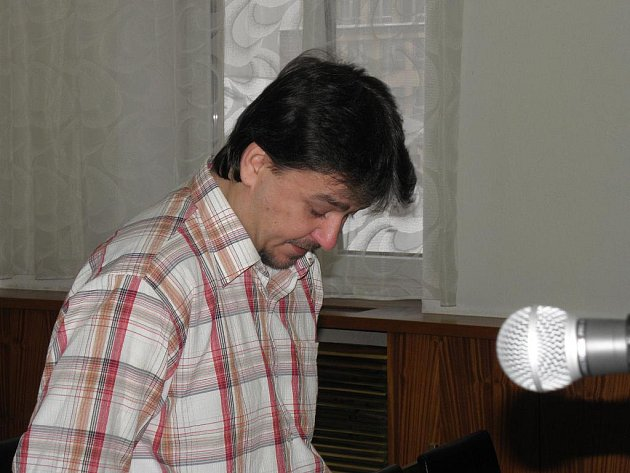 František Fülöp z Ostravy, který loni v srpnu zardousil svou přítelkyni, v pondělí před Krajským soudem v Ostravě.
