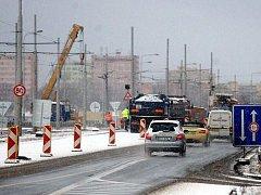 Svinovské mosty se začaly v pátek opravovat.