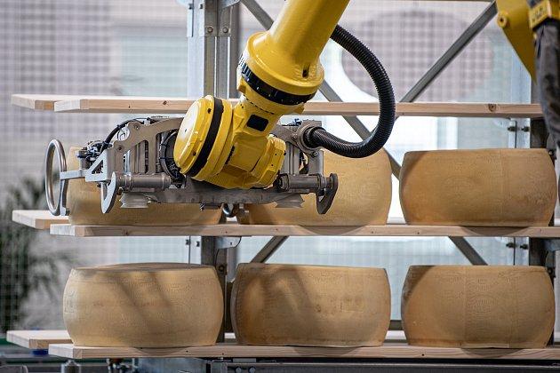 Robotizovaný sklad sklad sýrů společnosti Gran Moravia, 12.srpna 2021vCogollo del Cengio vprovincii Vicenza, Benátsko, Itálie.