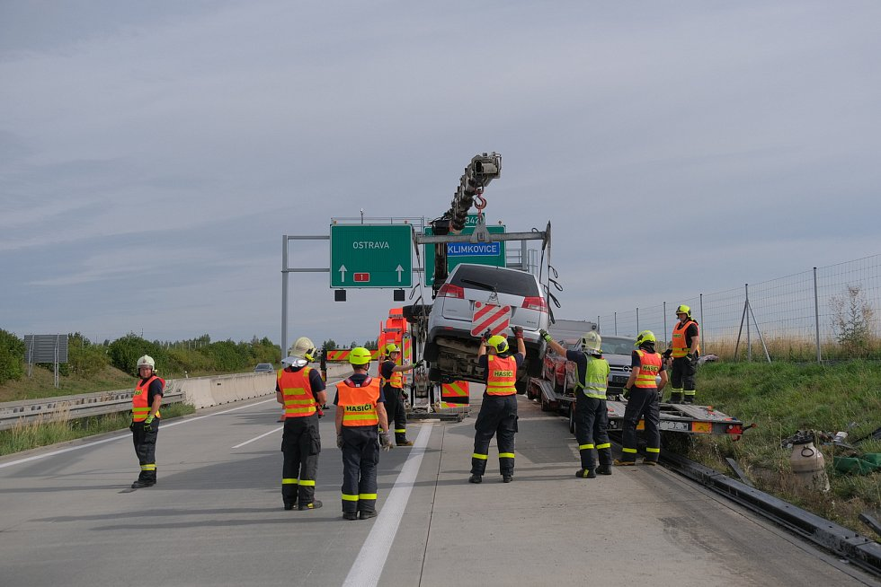 Nehoda na dálnici ve směru na Ostravu a Polsko, srpen 2019.
