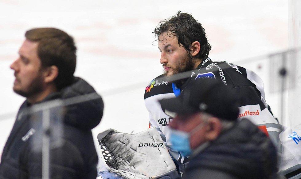 Hokejisté Vítkovic (modré dresy) si doma poradili s Karlovými Vary.