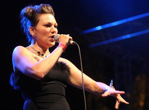 Z vystoupení zpěvačky Tanyi Tagaq na Colours of Ostrava