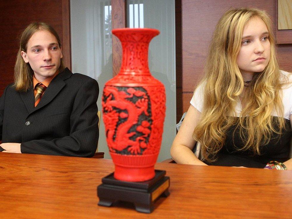 Karin Cieslarová a Lukáš Adámek úspěšně reprezentovali moravskoslezskou metropoli na mistrovství světa ve zpracovávání textu v čínském hlavním městě Pekingu.