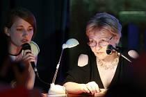 Prvním zahraničním hostem Měsíce autorského čtení v Ostravě, který začal minulý týden v klubu Atlantik, byla rakouská autorka Marianne Gruber (na snímku vpravo).