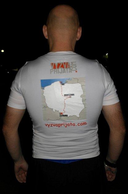 Výzva přijata, hlásá heslo na tričku ztrasou běhu Hel – Ostrava.