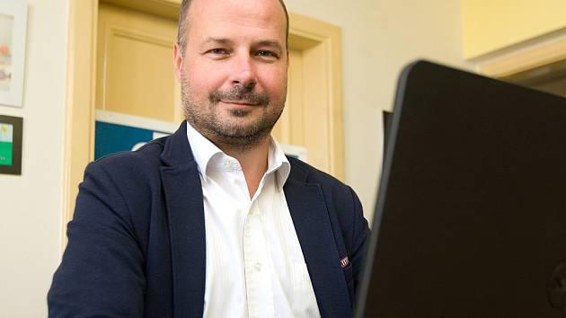 Lídr kandidátky KDU-ČSL Lukáš Curylo v ostravské redakci Deníku.