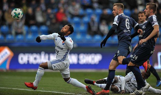 Zápas 17. kola první fotbalové ligy mezi FC Baník Ostrava a 1. FC Slovácko, 17. února 2018 v Ostravě. (vlevo) Dyjan Carlos De Azevedo.