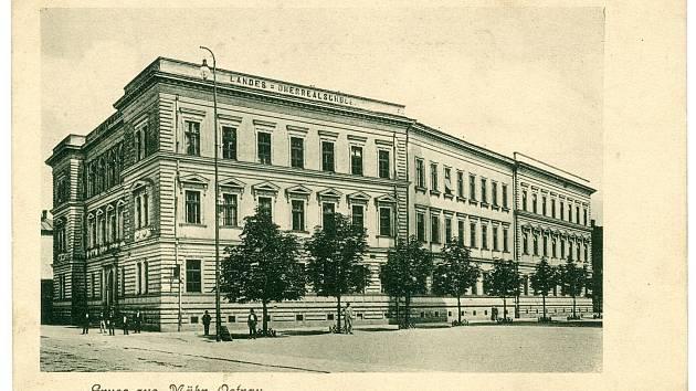 Budova německé reálky na ulici Československých legií v Moravské Ostravě (1890–1900), dnes sídlo Ostravské univerzity.
