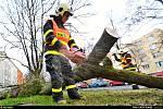Zásah hasičů kvůli silnému větru v Ostravě