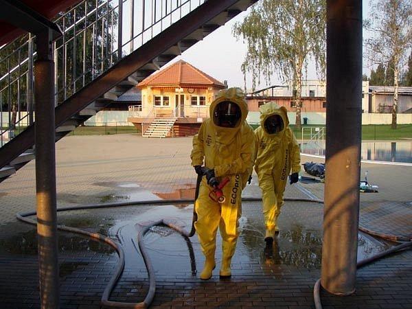 Hasiči zasahovali na karvinském koupališti při úniku jedovatých látek