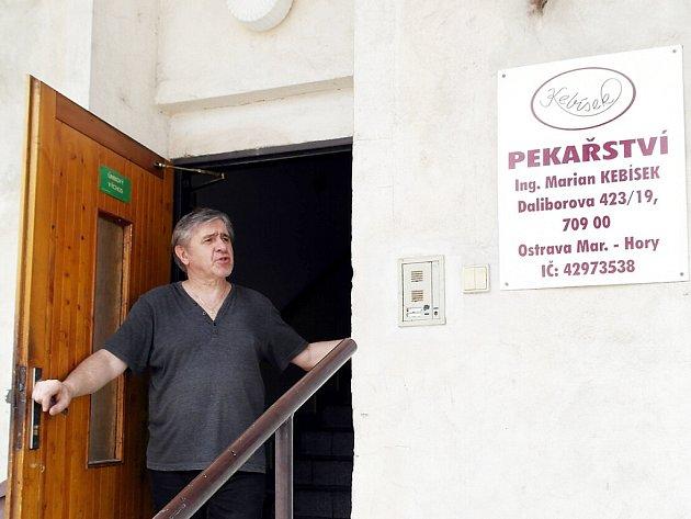 Pekařskou výrobnu měl podnikatel v činžáku v Daliborově ulici.