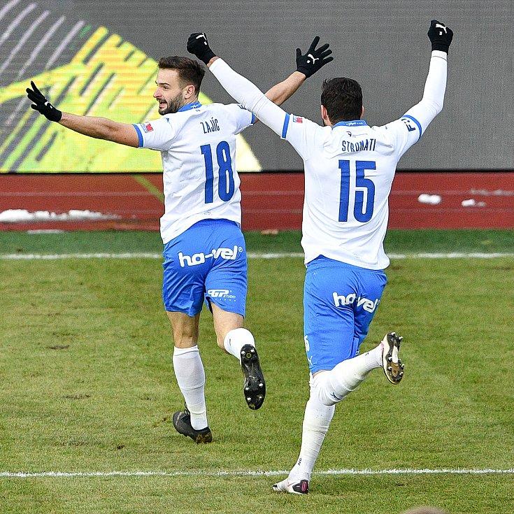 Utkání 9. kola první fotbalové ligy: Baník Ostrava - Slovan Liberec, 27. ledna 2021 v Ostravě. (vpravo) radost Patrizio Stronati z Ostravy a Tomáš Zajíc z Ostravy.