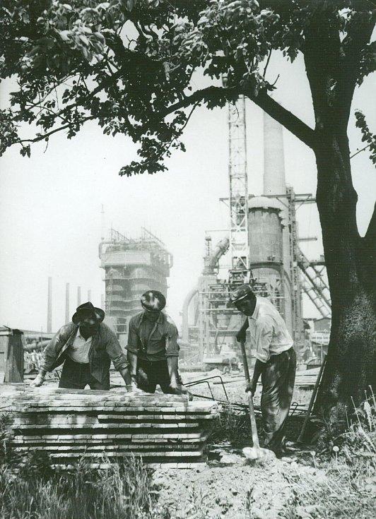 Staveniště vysoké pece č. 3 (26.5.1958).