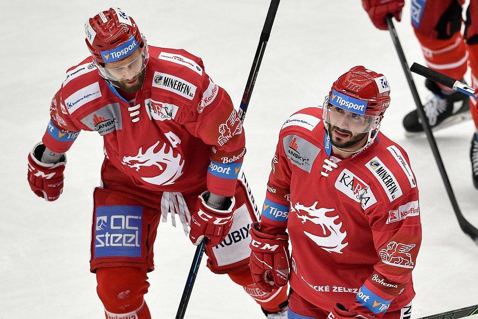 Utkání 3. kola hokejové extraligy: HC Oceláři Třinec - HC Vítkovice Ridera, 15. prosince 2020 v Třinci. (vpravo) Erik Hrňa z Třince.